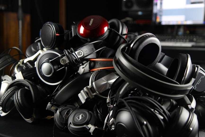 headphones for bass list