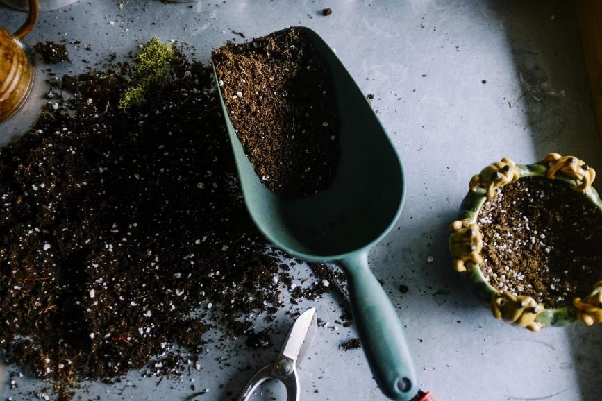gardening and fertilize spreading