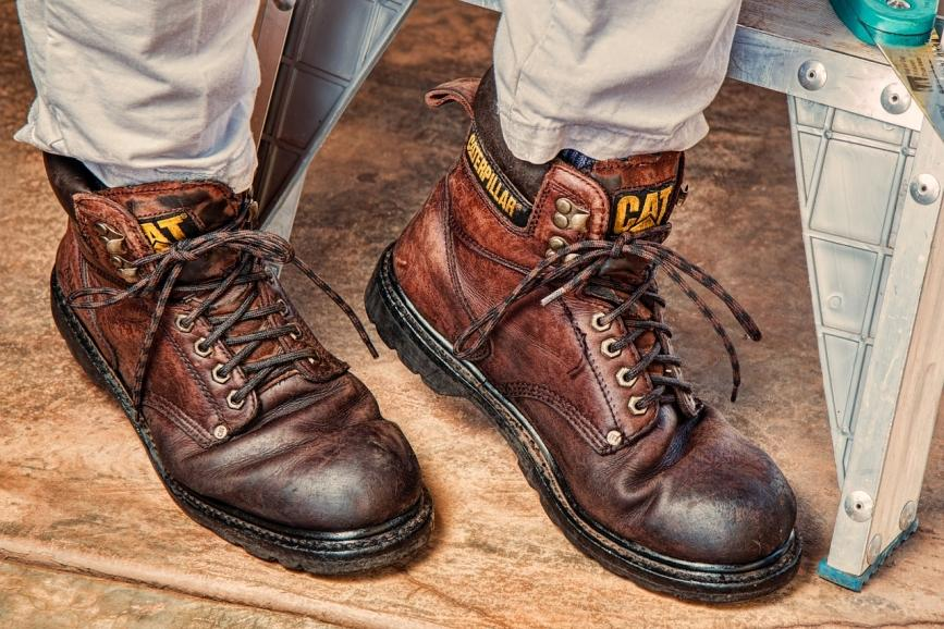 How to keep your feet safe when constructing something