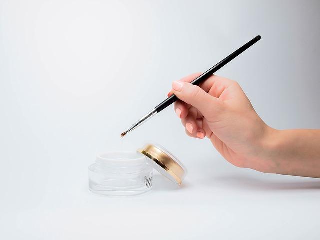 nail brushes